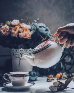coffee or tea has more caffeine content